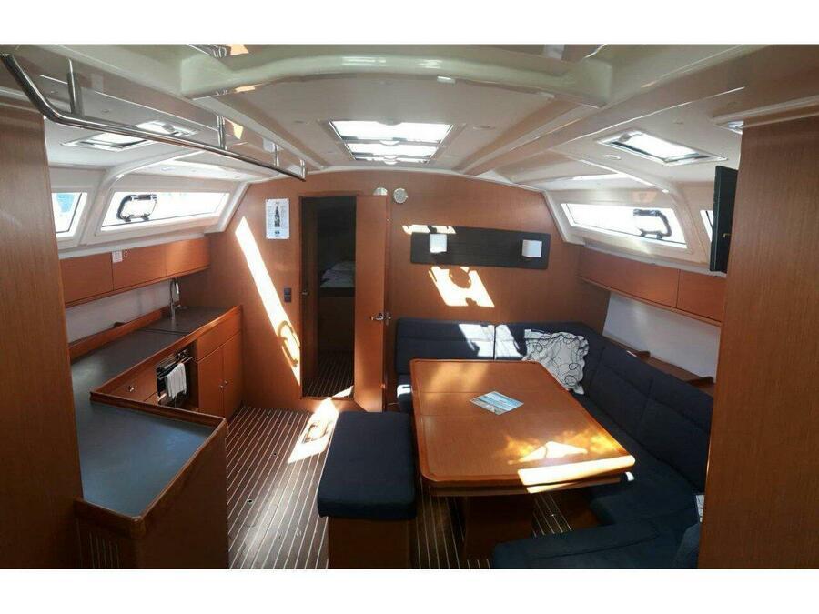 Bavaria Cruiser 46 (Wanderlust) Interior image - 2