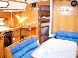 Bavaria 42 Cruiser (Okeanis) Interior image - 1