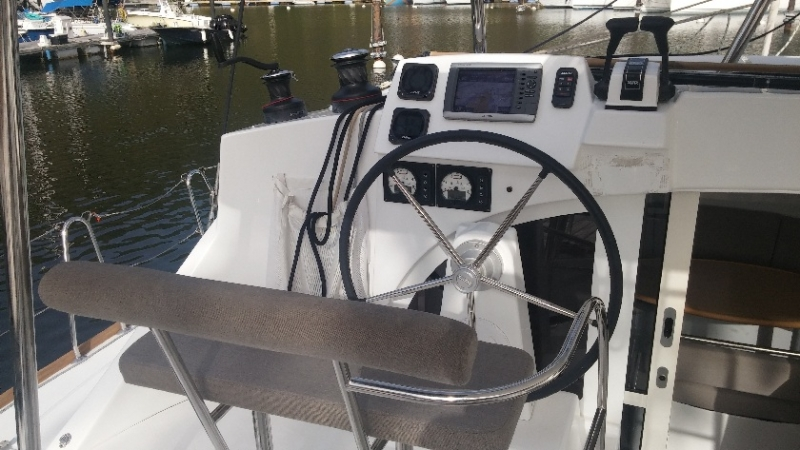 Lagoon 380 S2 (Karla II) Navigation - 11