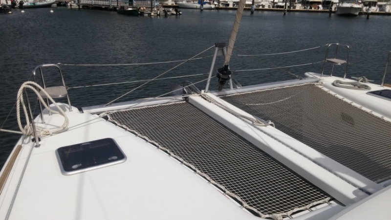 Lagoon 400 S2 (Ruby) Net / front - 5