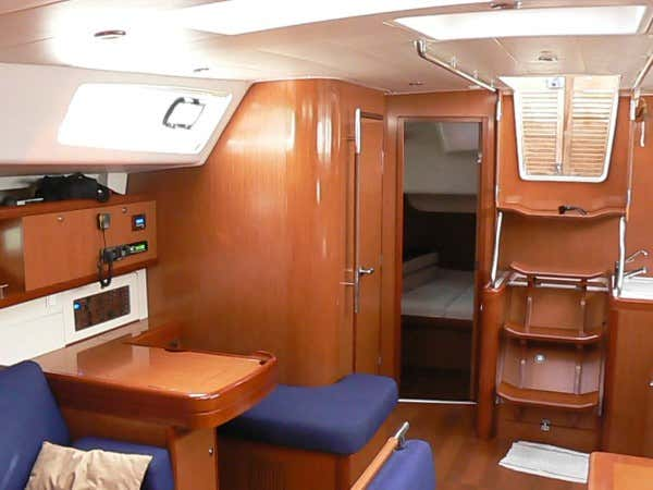 Oceanis 54 (Selene) Salon /  few - 14