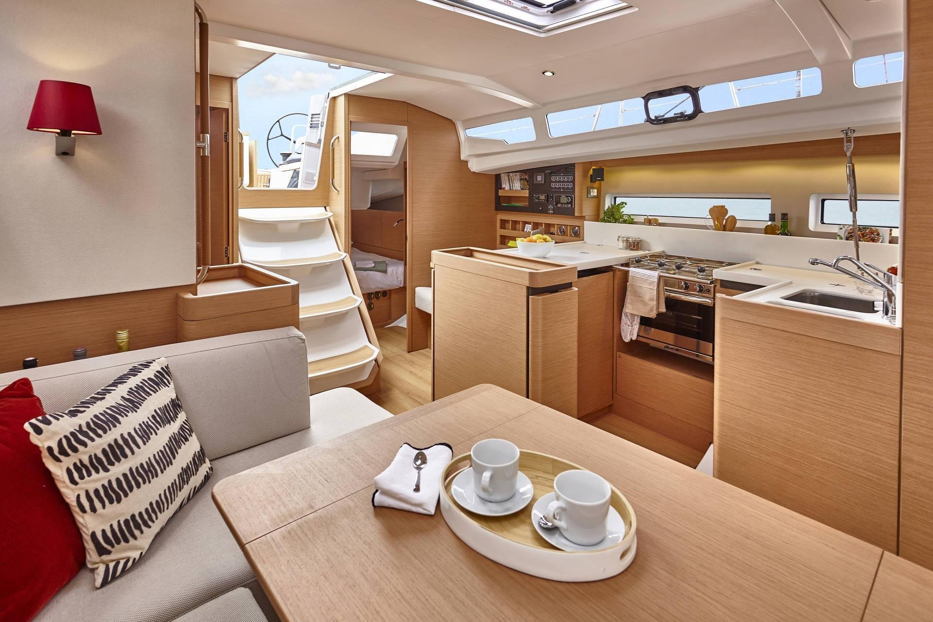 Sun Odyssey 440 (Celtic Breeze) Saloon - 11