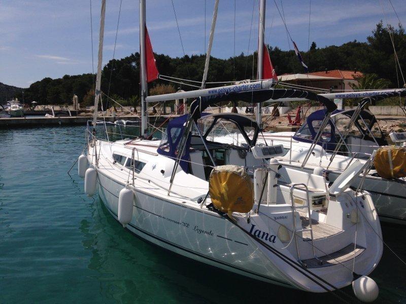 Sun Odyssey 32i (Jana)  - 4