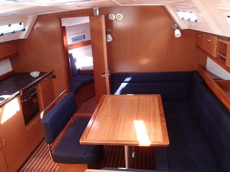 Bavaria 40 Cruiser. (Mojito) Interior image - 11
