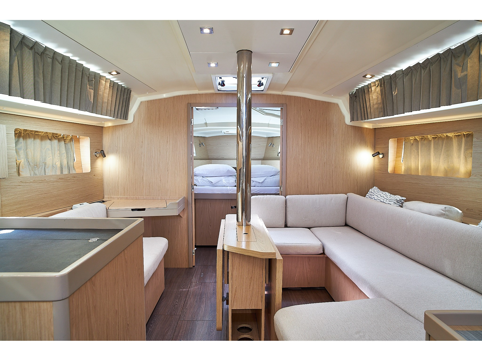 Oceanis 41.1 (White Beauty) Interior image - 5