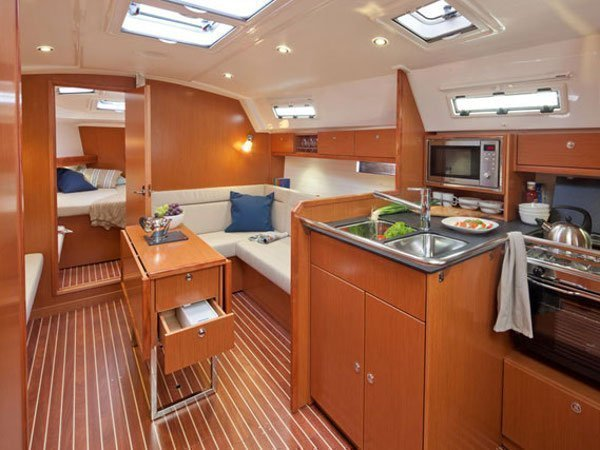 Bavaria Cruiser 36 (MIRA) Interior image - 5
