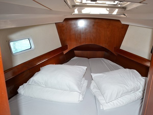 Oceanis Clipper 423 (Brava) interior images - 10