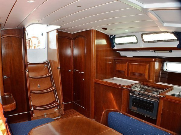Oceanis Clipper 423 (Brava) interior images - 2