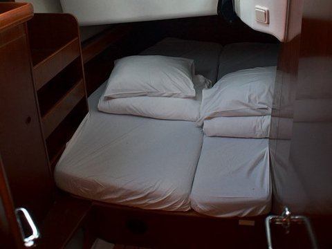 Oceanis Clipper 423 (Brava) interior images - 12