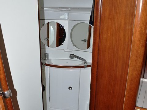 Oceanis Clipper 423 (Brava) interior images - 4