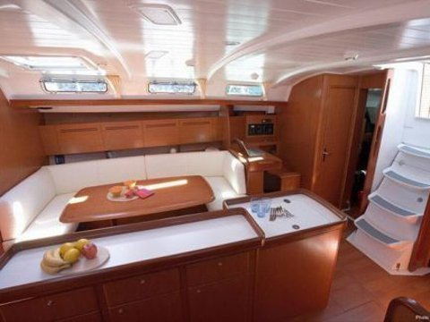 Cyclades 50.5 (Galaxy/Refitted 2016) interior images - 3