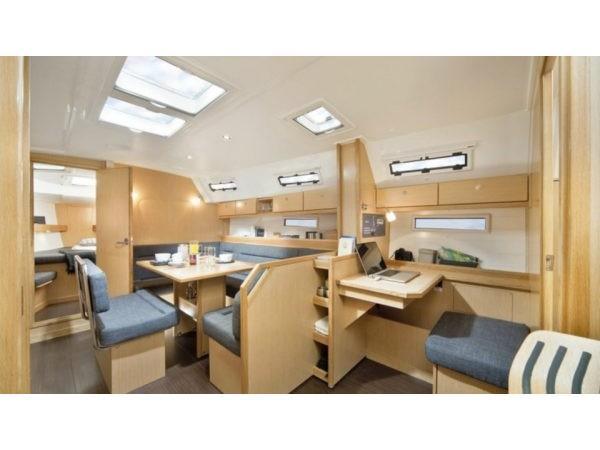 Bavaria 40 Cruiser (Emily-Refit 2020) Interior image - 1