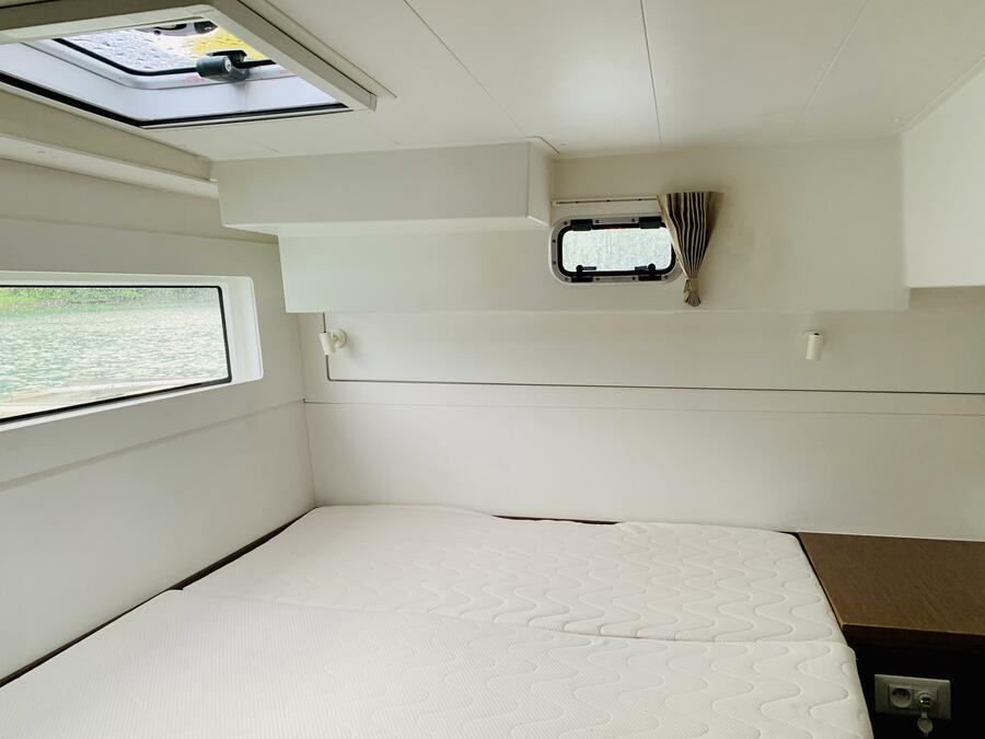 Lagoon 40 (Ubah) Cabin - 2