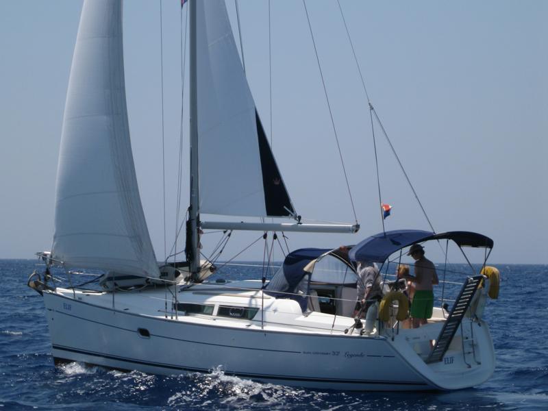 Sun Odyssey 32 i (Elif)  - 3