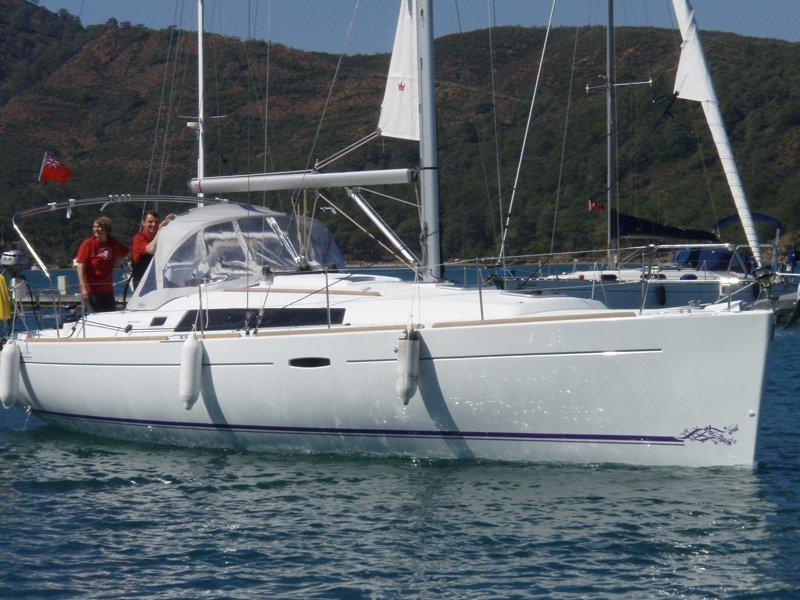Oceanis 37 (Glen Rosa) Main image - 0