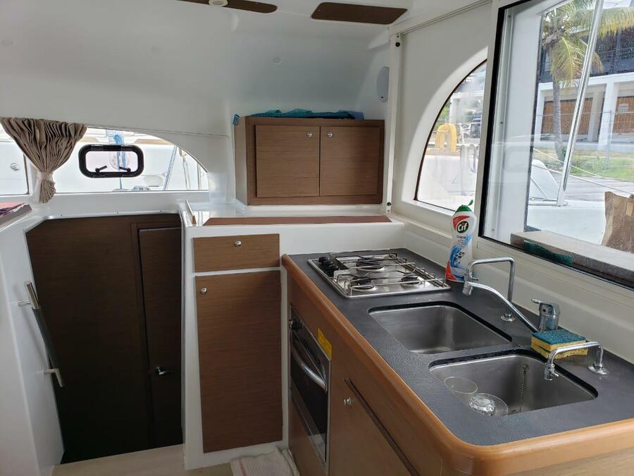 Lagoon 380 S2 (Karla II) Kitchen - 5