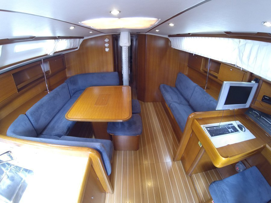 Grand Soleil 50 (Kety (Sails 2019, Bowthruster)) Grand Soleil 50 charter - 12