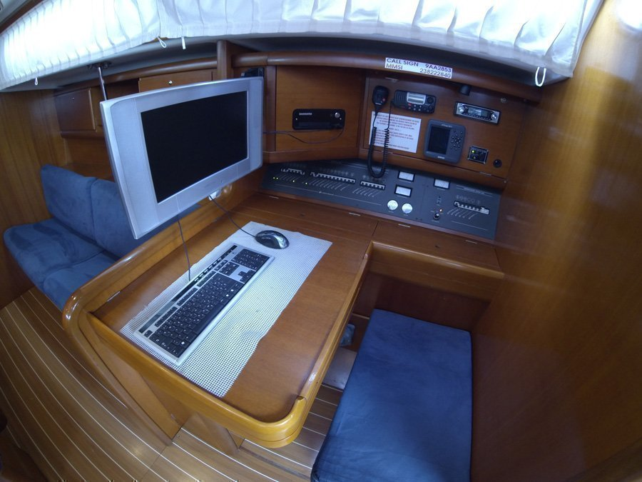 Grand Soleil 50 (Kety (Sails 2019, Bowthruster)) Grand Soleil 50 charter - 15