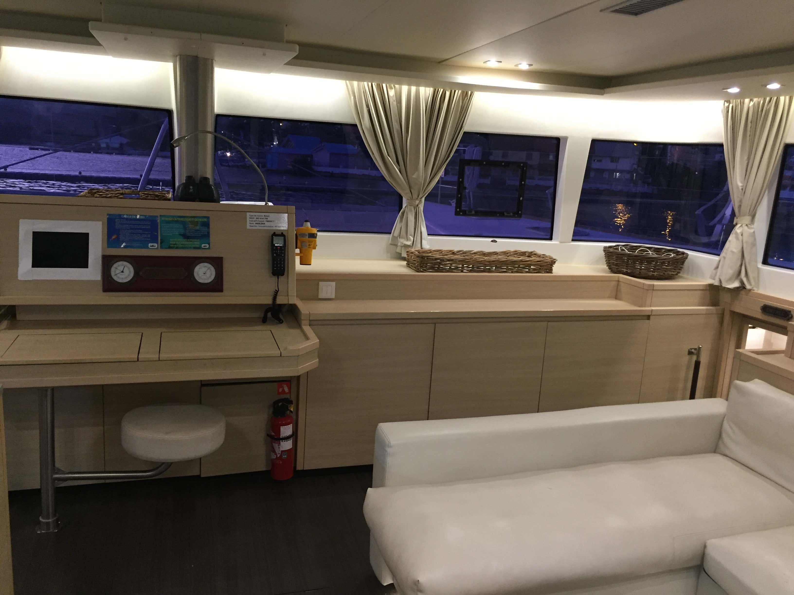 Lagoon 620 - incl. crew & full board (Marlena) Salon / Navigation - 25