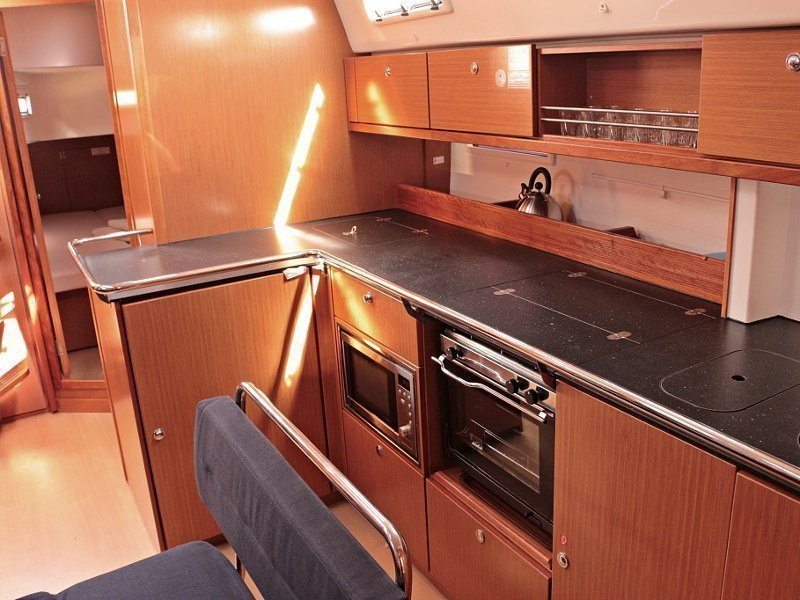 BAVARIA C 45 BT (SOPHIA) Interior images - 6