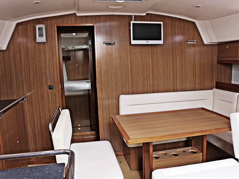 BAVARIA C 45 BT (BLUE DREAMS) Interior image - 2