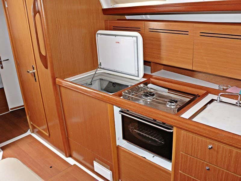 CYCLADES 43.4 BT (LEVANT) Interior images - 2