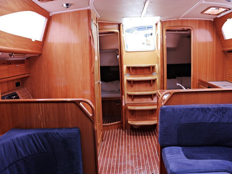 BAVARIA 40 Vision BT (IDASSA) Interior images - 2