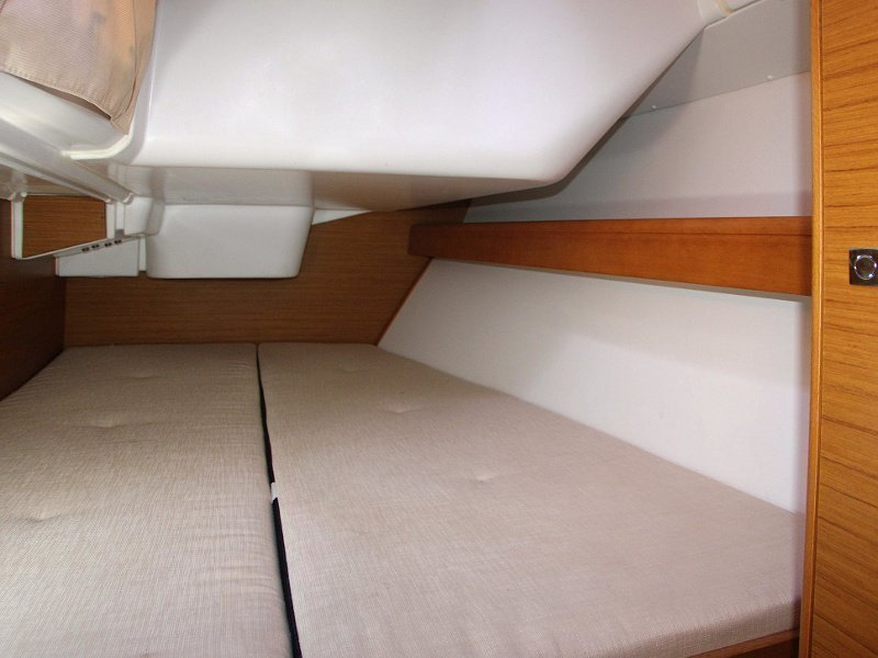 SUN ODYSSEY 36i (SEDNA) Interior images - 11