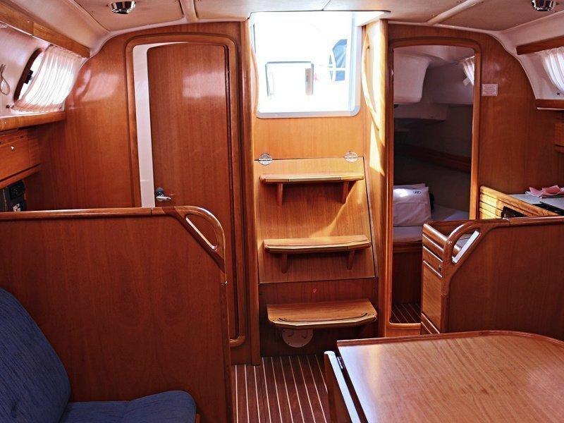BAVARIA 33 C (FRANA) Interior images - 9