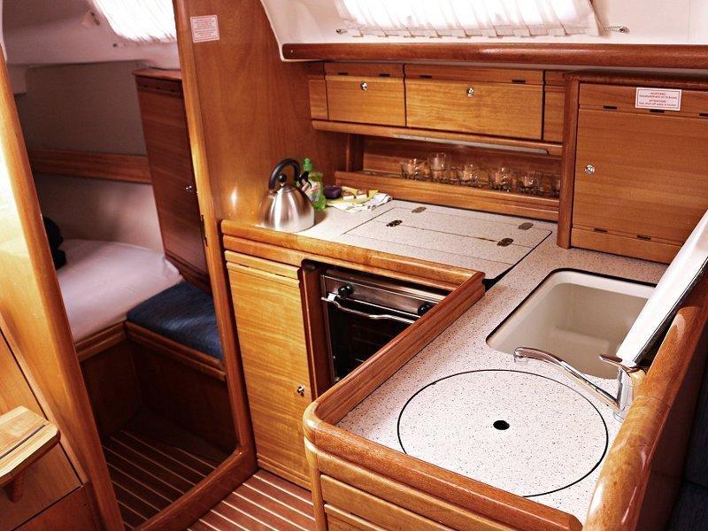 BAVARIA 33 C  (FRANA) Interior images - 4