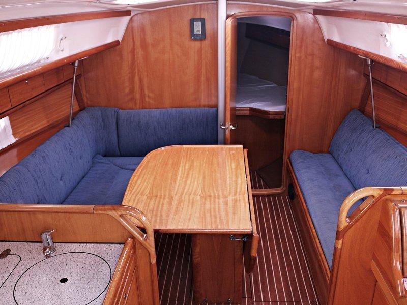 BAVARIA 33 C  (NADA) Interior image - 7