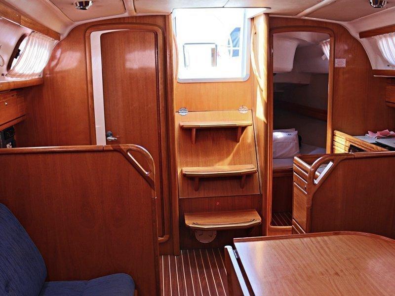 BAVARIA 33 C  (NADA) Interior images - 5