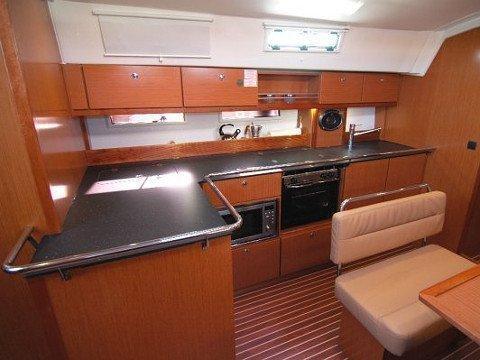 Bavaria Cruiser 45 (Hydra) Interior images - 6