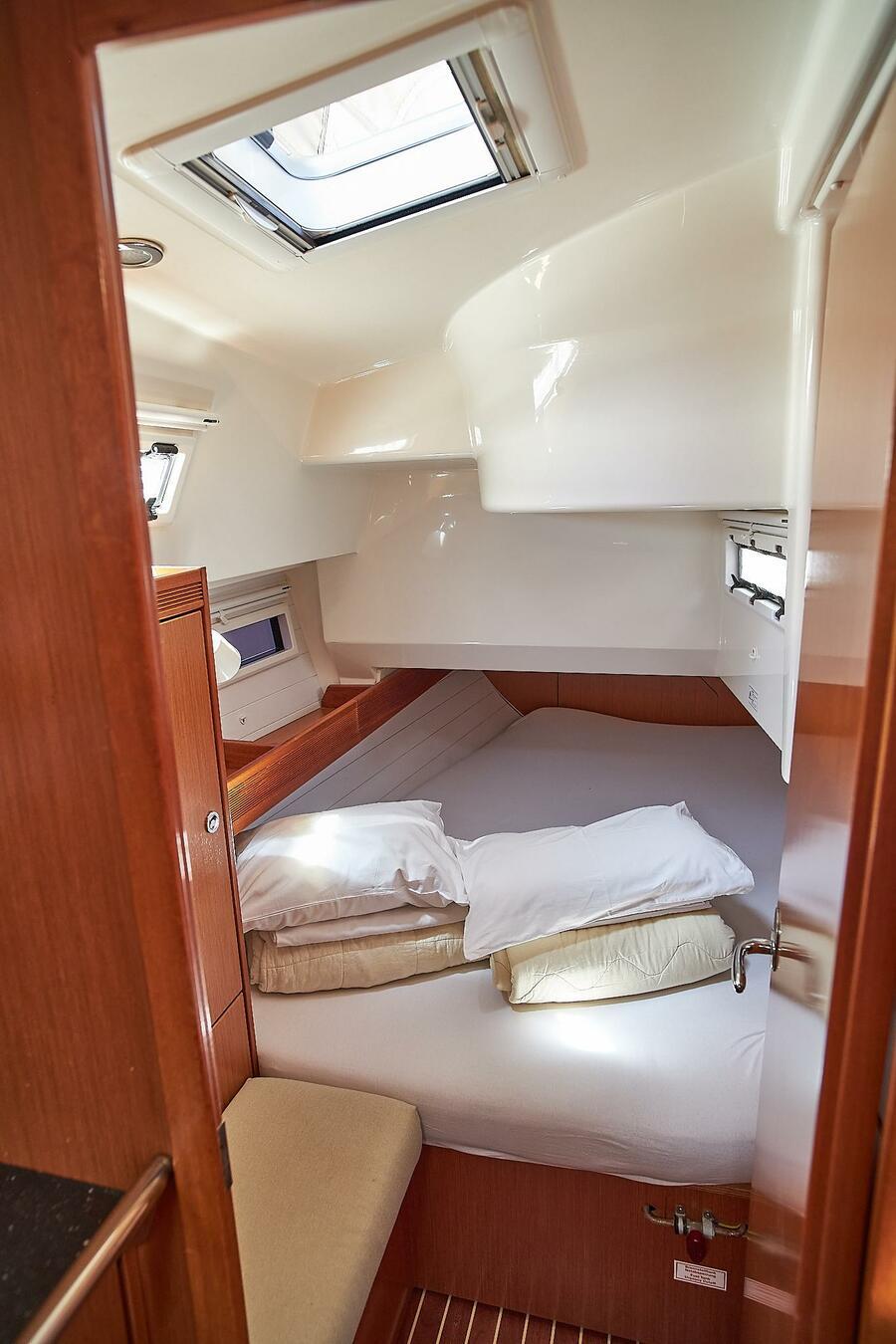 Bavaria 36 Cruiser (White pearl)  - 5