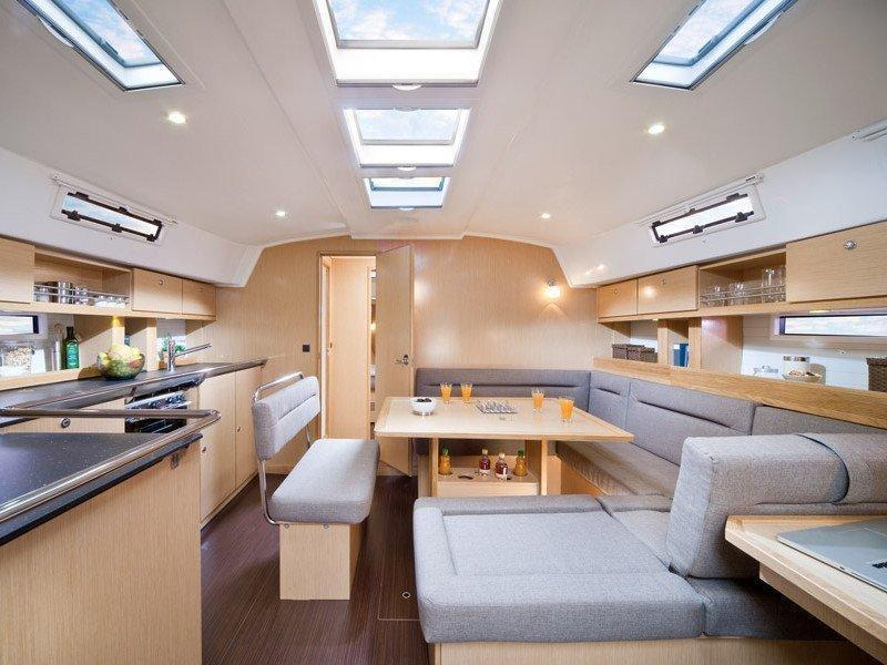 Bavaria 45 Cruiser (Cloe - Solar Panel) Interior image - 16