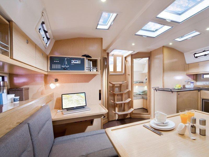Bavaria 45 Cruiser (Cloe - Solar Panel) Interior images - 11