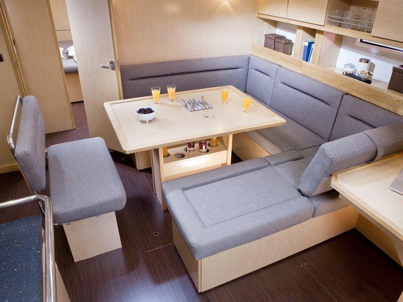 Bavaria 45 Cruiser (Cloe - Solar Panel) Interior images - 19