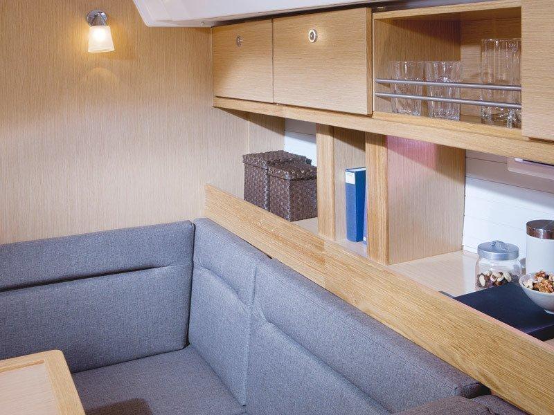 Bavaria 45 Cruiser (Cloe - Solar Panel) Interior images - 18