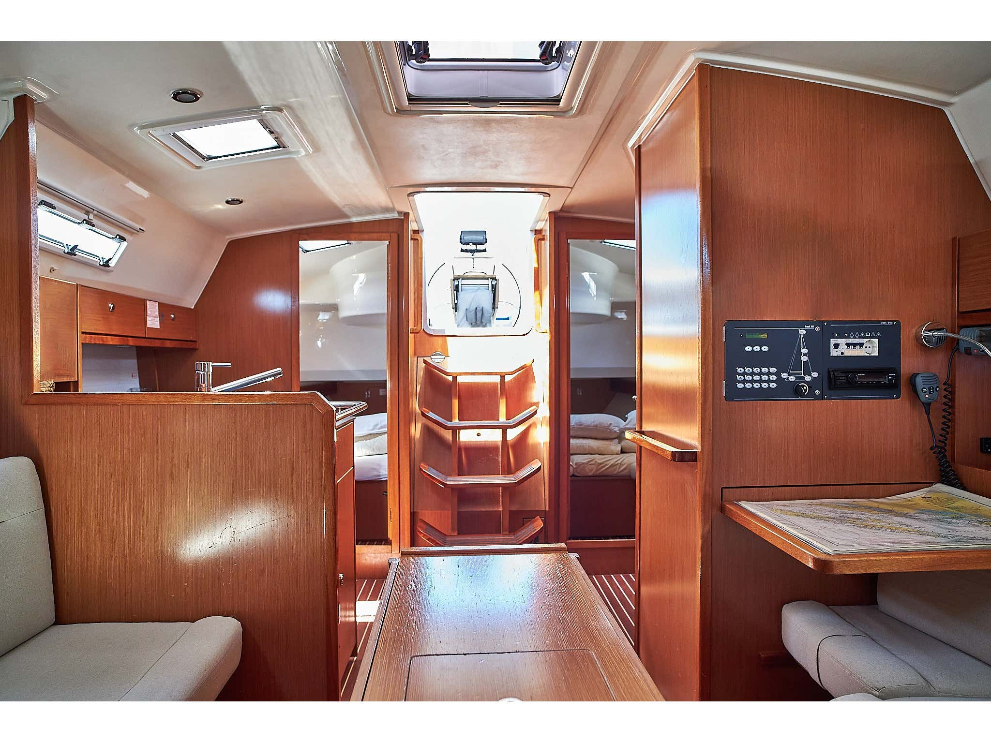 Bavaria 36 Cruiser (White pearl) Interior image - 6