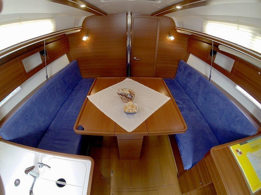 Dufour 335 GL (Lara (webasto, solar panel, shallow draft)) Dufour 335 GL saloon table - 5