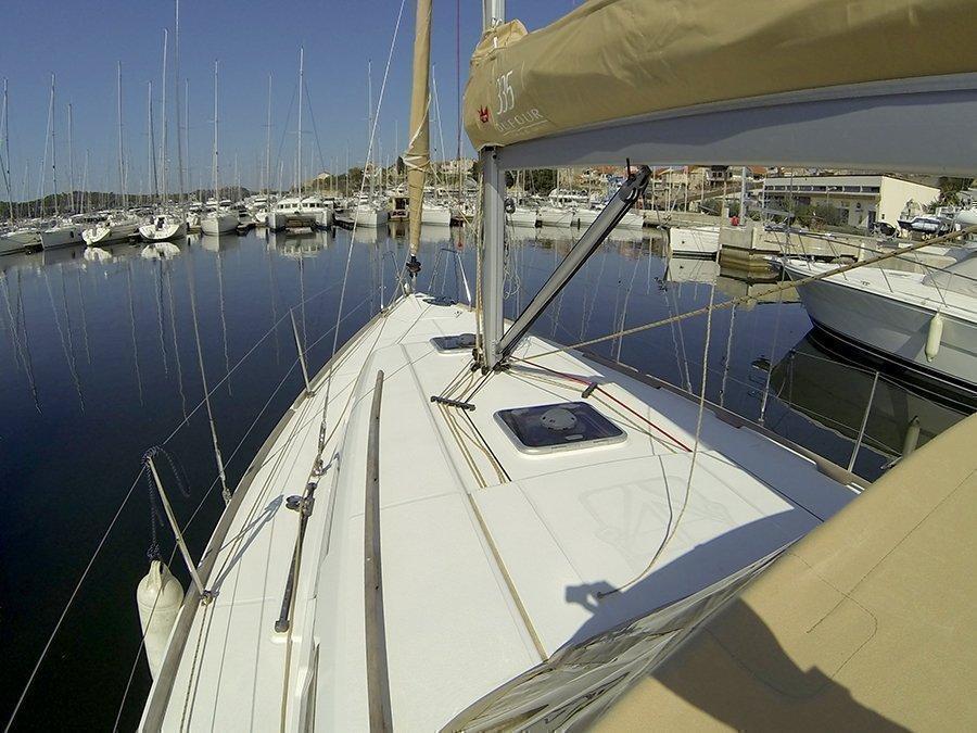 Dufour 335 GL (Lara (webasto, solar panel, shallow draft)) Dufour 335 GL deck - 14