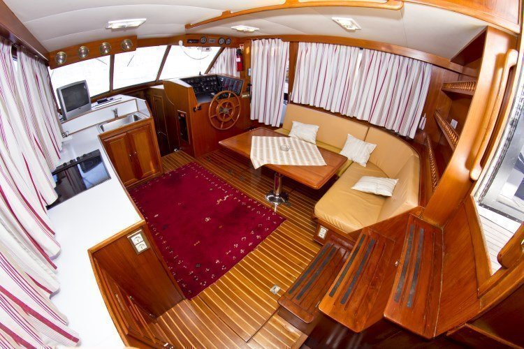 Staryacht 1670 (Holiday ) Interior image - 1