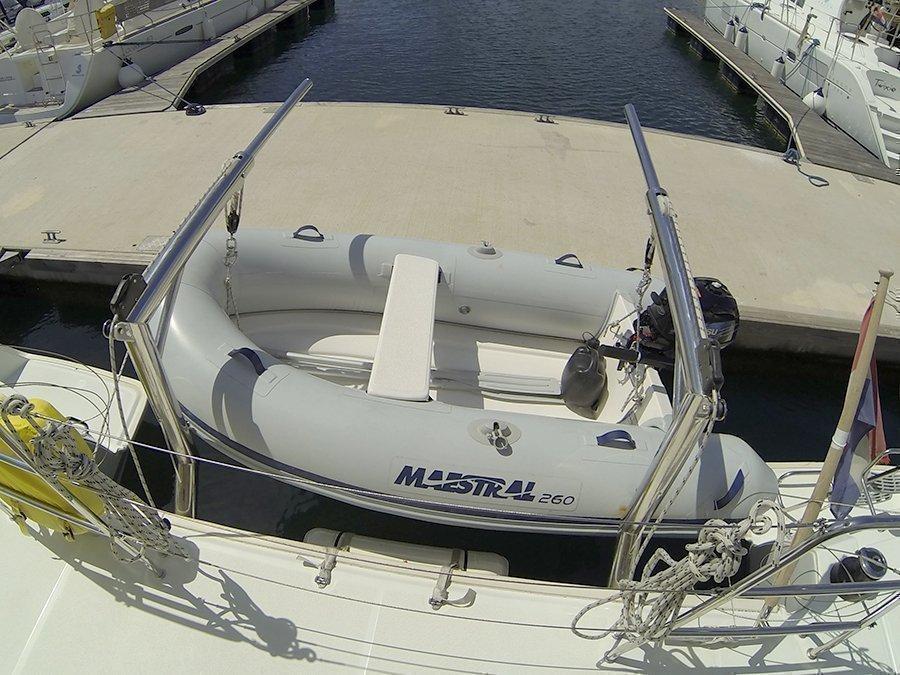 Lagoon 400 (Stray cat (Sails 2019, Solar panel))  - 12