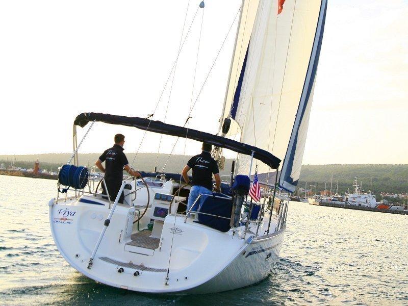 Bavaria 46 Cruiser (VIYA) Images - 9
