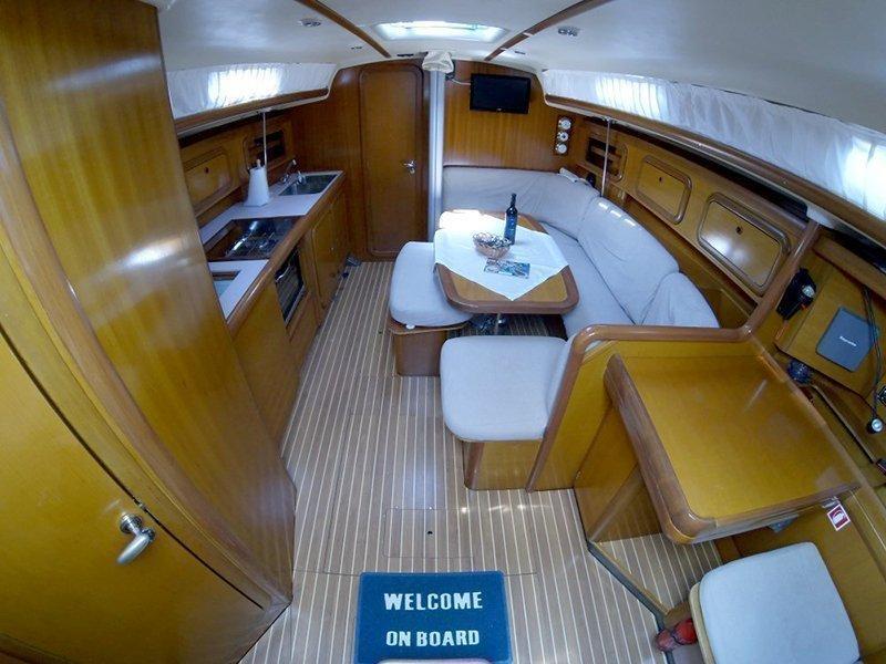 Grand Soleil 40 (Šjor (Main sail 2016, Genoa 2018)) Interior image - 4
