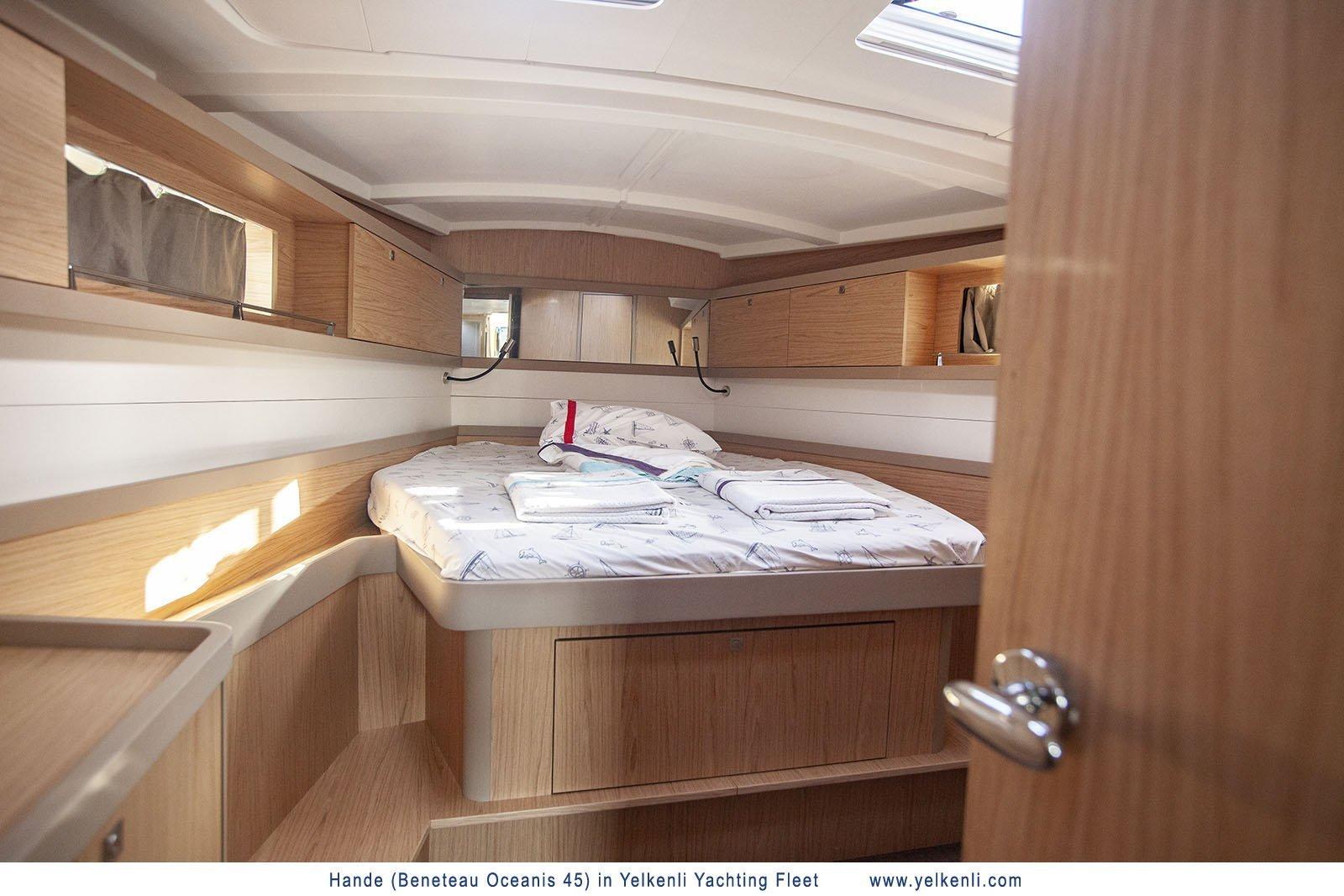 Oceanis 45 (2018) (Hande) Cabin Front - 29