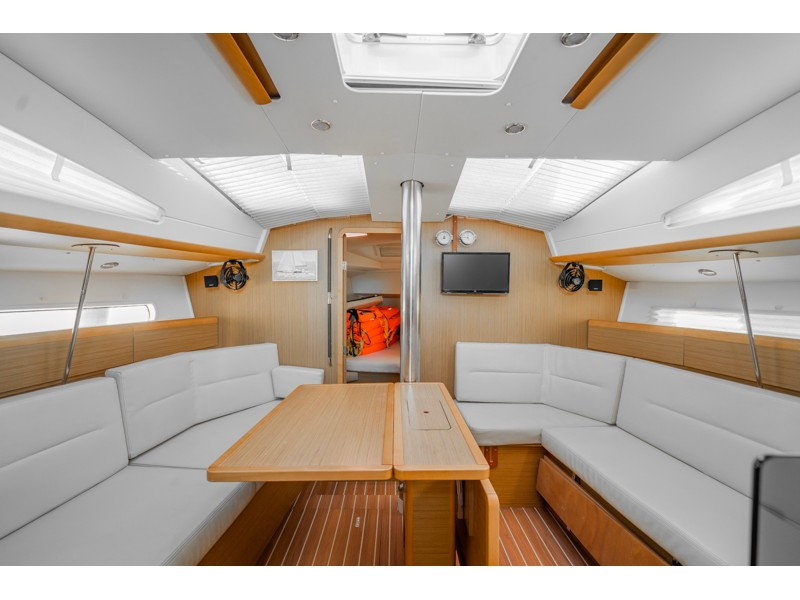 Sun Odyssey 42DS (ath42ds03) Interior image - 3