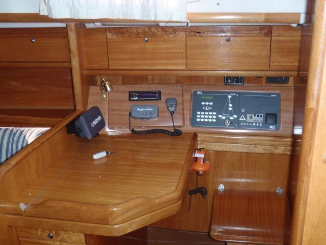 Bavaria 38 Cruiser  (Marge ( in water from 2012 )) interior - 7