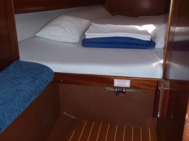 Bavaria 36 Cruiser (Dolkar) Cabin - 2
