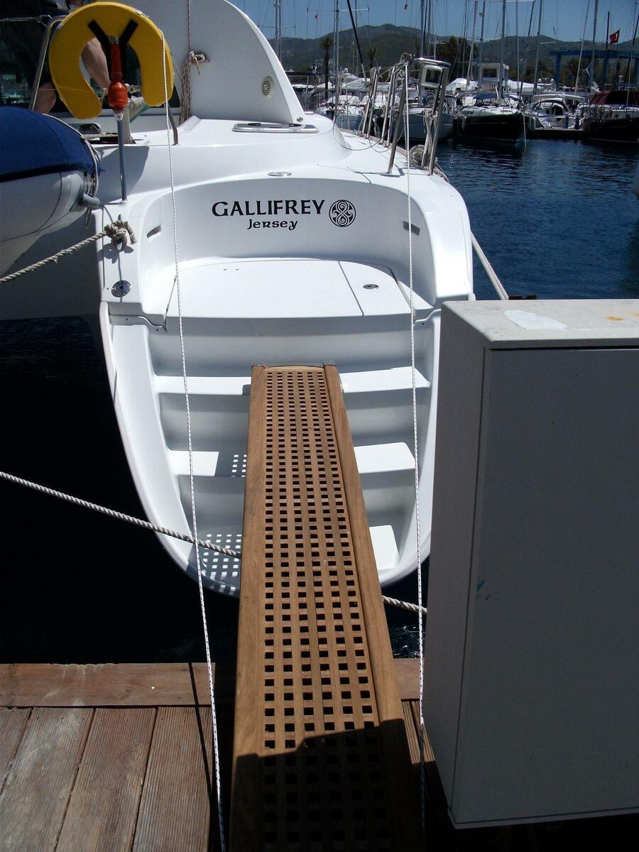 Lagoon 380 S2 (Gallifrey)  - 5
